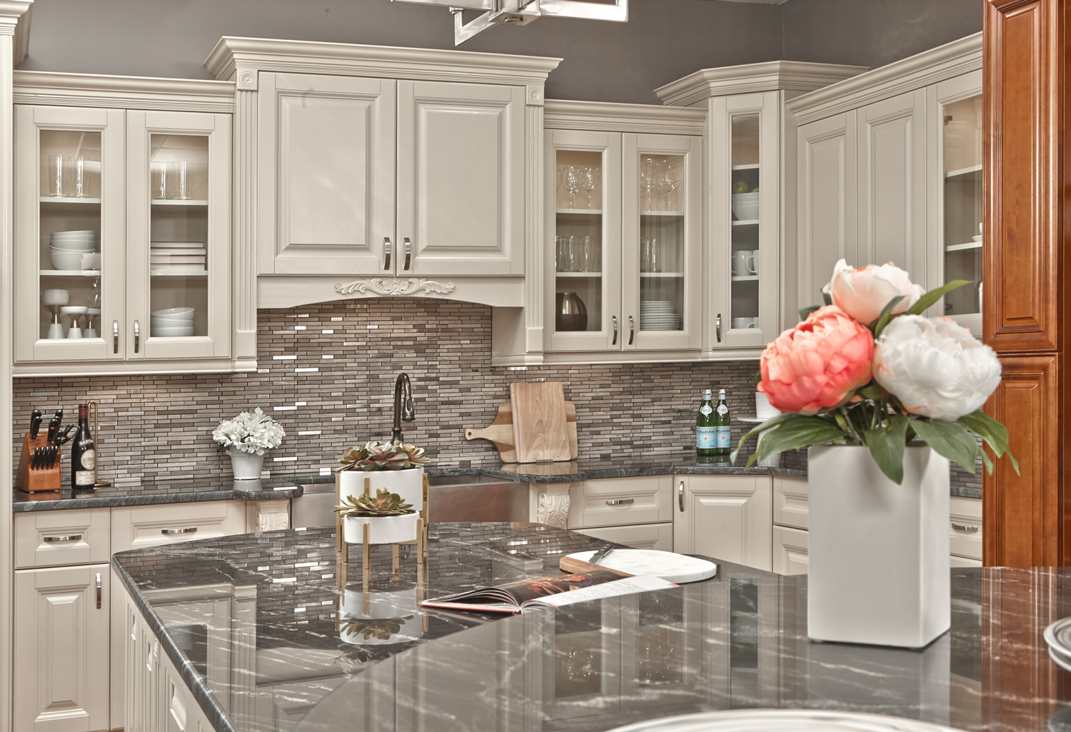 Vanilla Cream Kitchen Cabinets
